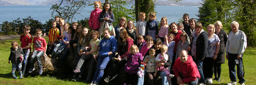 a group shot of the kyle and plockton free church congregation